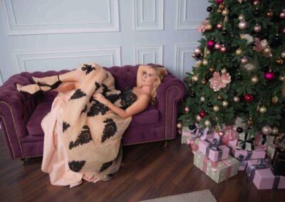 Новогодняя фотосессия девушки
