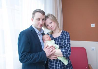Фотограф-на-выписку-из-роддома-Москва-недорого